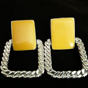 Jewelry - Women's Yellow And Silver Stunning Earrings